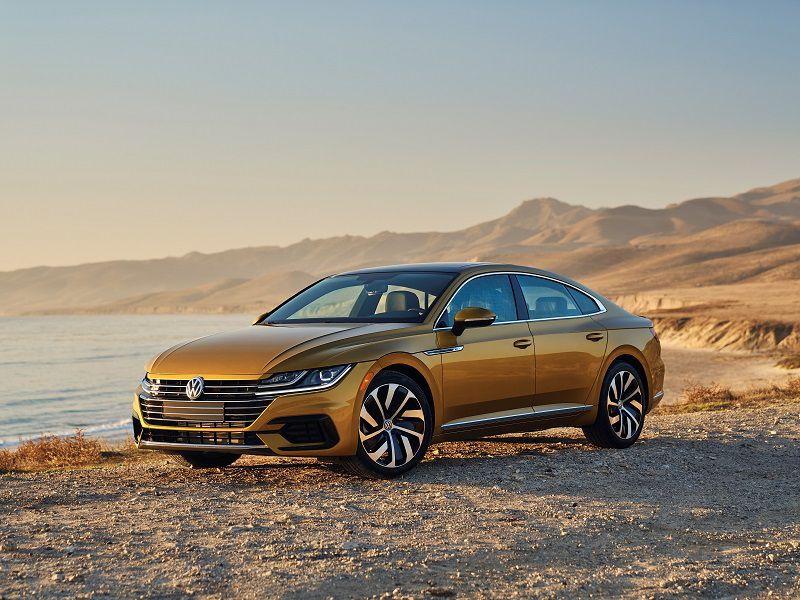 2019 Volkswagen Arteon Gold Front Three Quarter