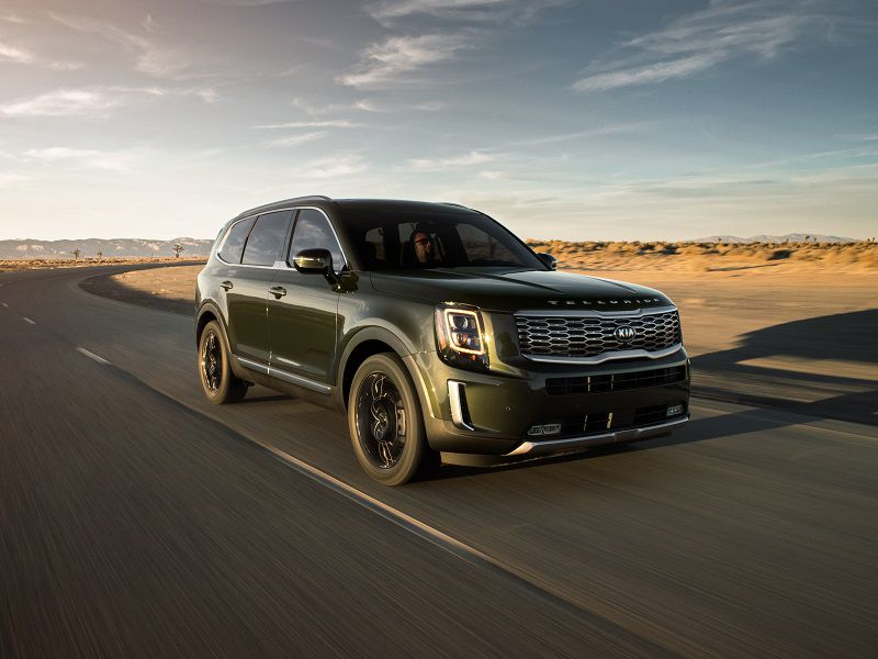 2020 Kia Telluride Green Front Three Quarter Driving