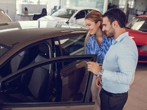 Buying vs. Leasing a Car: Pros and Cons