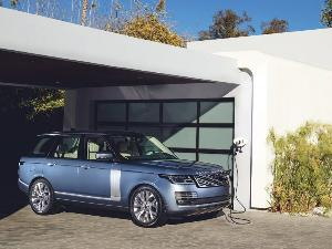 2020 Land Rover Range Rover Plug-In Hybrid Road Test and Review