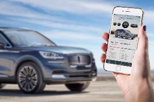 Lincoln Simplifies Driving With Phone As A Key Technology