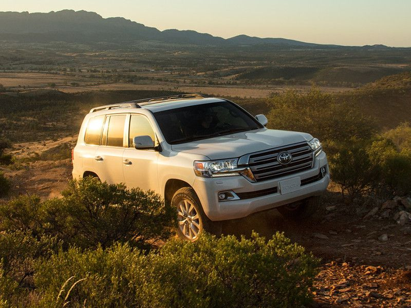 2020 Toyota Land Cruiser Road Test and Review