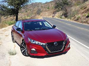 2020 Nissan Altima Road Test and Review