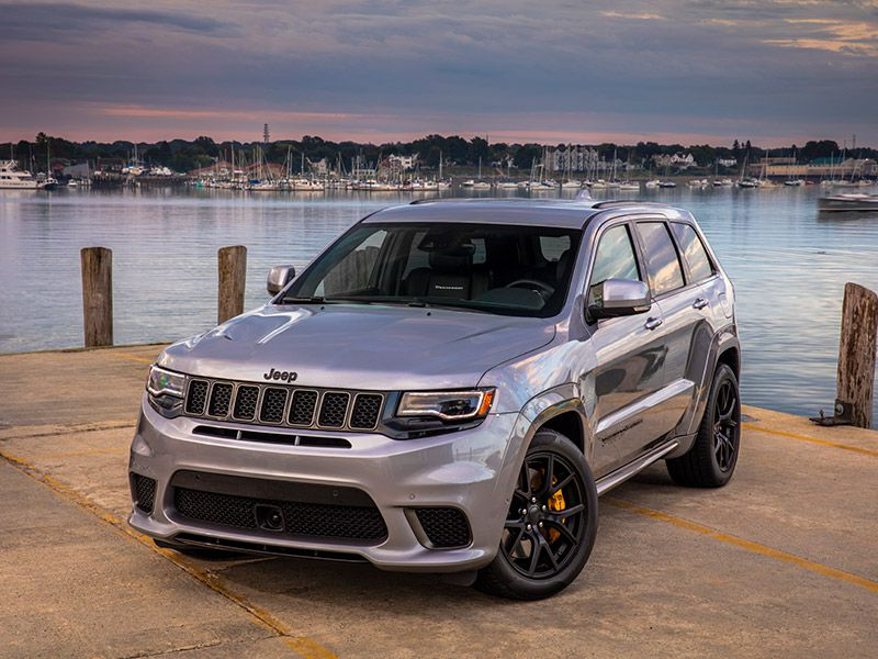 2020 Jeep Grand Cherokee Trackhawk front three quarter