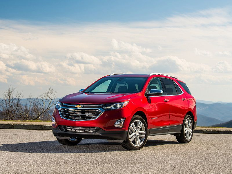 2020 Chevrolet Equinox Red Front Three Quarter