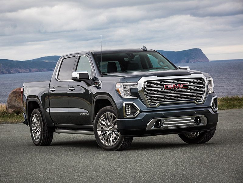 2020 GMC Sierra Denali front three quarter