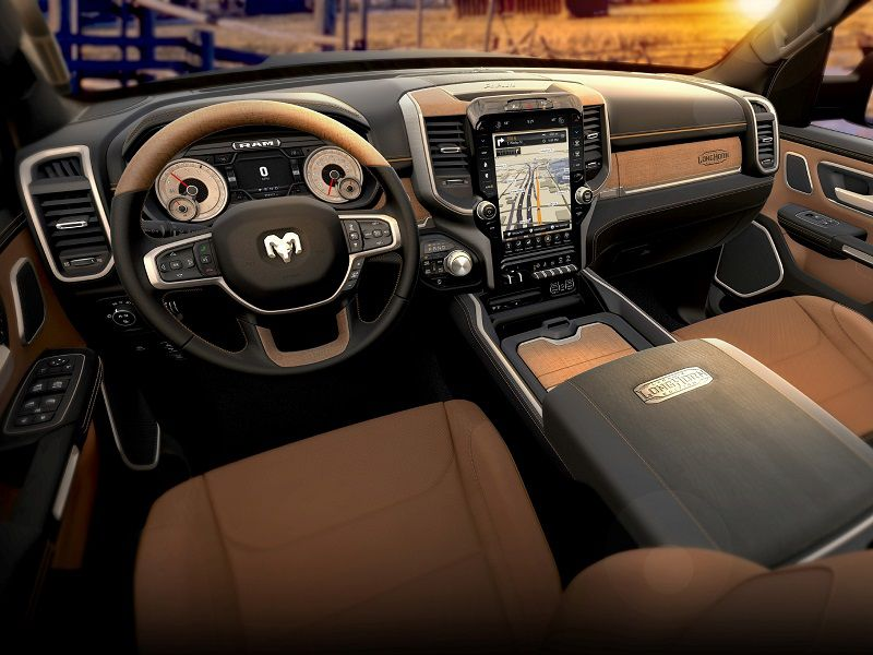 7. Infotainment is available with a 12.0-inch screen.