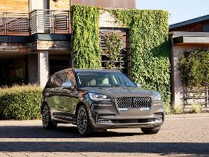 2020 Lincoln Aviator Plug-In Hybrid Road Test and Review