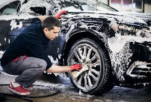 How to Wash Your Car Like a Pro Detailer