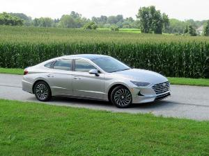 2020 Hyundai Sonata Hybrid Road Test and Review