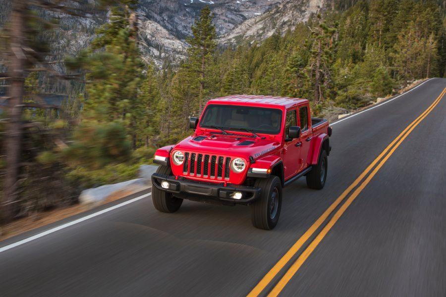 2021 jeep gladiator diesel vs 2020 chevrolet colorado