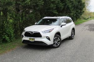 2021 Toyota Highlander Road Test and Review