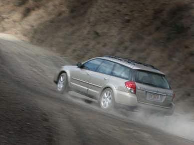 2008 Subaru Outback 2 5i Limited Review | Autobytel com